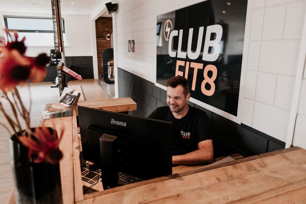 Bij ClubFit8 ben je verzekerd van goede begeleiding.
